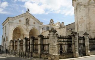 Santuário de São Miguel Arcanjo, em Monte Sant'Angelo, no Gargano - Puglia
