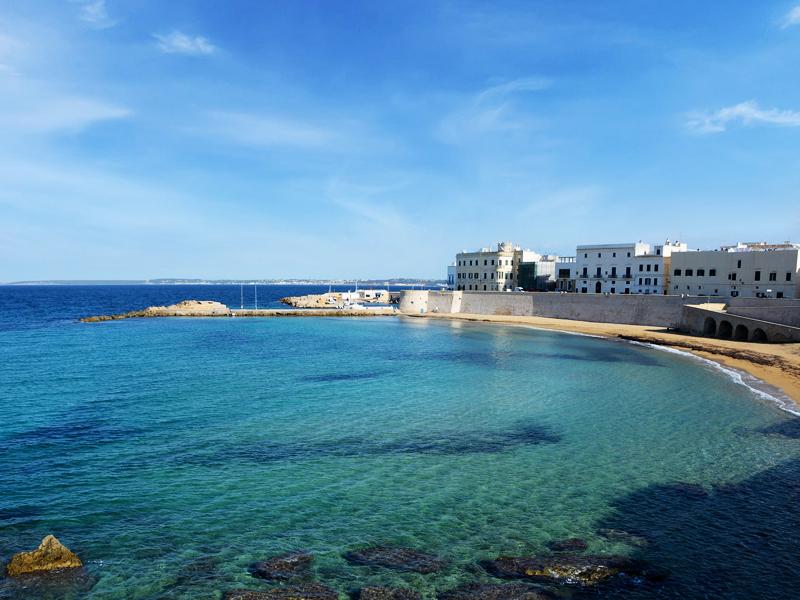 Spiaggia della Purità. A praia do centro histórico de Gallipoli.