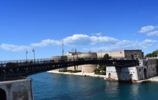 Brasil na Puglia - Taranto: a cidade dos dois mares - Castello Aragonese e il Ponte Girevole