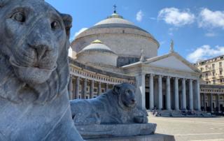 Napoli é beleza e caos - Piazza Plebiscito